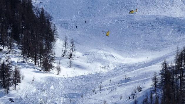 Hier donnerte die Lawine ins Tal und riss mehrere Alpinisten mit sich. (Bild: zeitungsfoto.at)