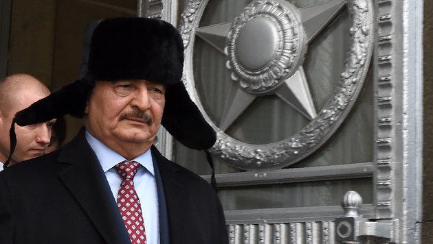 Mit Khalifa Haftar will Moskau offenbar einen beeinflussbaren Mann in Libyen an die Macht bringen. (Bild: AFP)