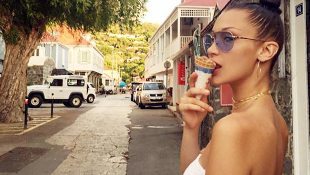Auch Models wie Bella Hadid können der eiskalten Versuchung nicht widerstehen. (Bild: Viennareport)