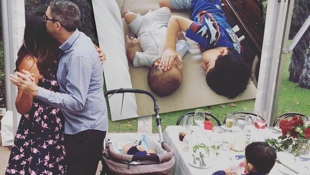Hier tröstet William (3) seinen todkranken Bruder (Bild: instagram.com)
