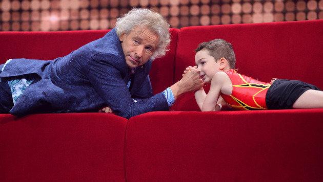 Thomas Gottschalk präsentiert kleine große Talente (Bild: SAT.1/Willi Weber)