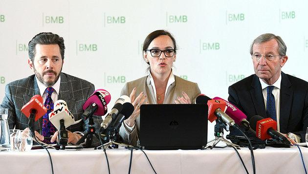 Ministerin Hammerschmid, Staatssekretär Mahrer (li.) und Landeshauptmann Haslauer (re.) (Bild: APA/HELMUT FOHRINGER)