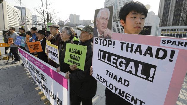 Protest gegen die Stationierung eines US-Raketenabwehrsystems in Südkorea (Bild: ASSOCIATED PRESS)