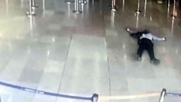 Der Täter am Flughafen Orly wurde erschossen, nachdem er einer Soldatin die Waffe entreißen wollte. (Bild: AFP)