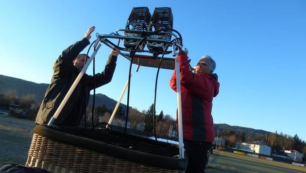 Der Brenner wird auf den Korb montiert (Bild: Christian Spitzer)