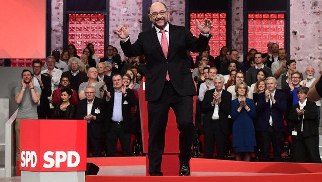 Martin Schulz mit 100 Prozent zum SPD-Chef gewählt (Bild: AFP)