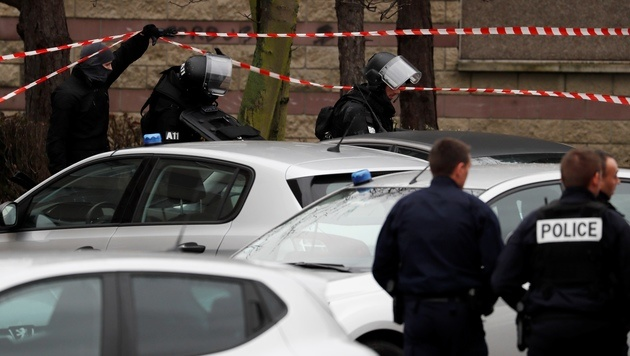 Drogen und Alkohol im Blut des Orly-Angreifers (Bild: AFP)