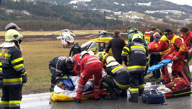 Elf Menschen bei Frontalkollision verletzt (Bild: BFV Liezen / Schlüßlmayr)