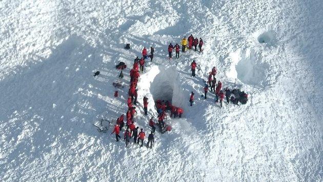 Lawine mit 4 Toten: Ermittlungen gegen Bergführer (Bild: APA/ZEITUNGSFOTO.AT)