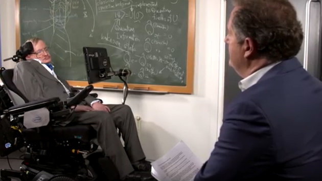 Astrophysiker Stephen Hawking will ins All fliegen (Bild: YouTube.com/ITV)