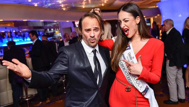 Sänger Leo Aberer und Miss OÖ 2016 Dajana Dzinic. (Bild: Markus Wenzel)