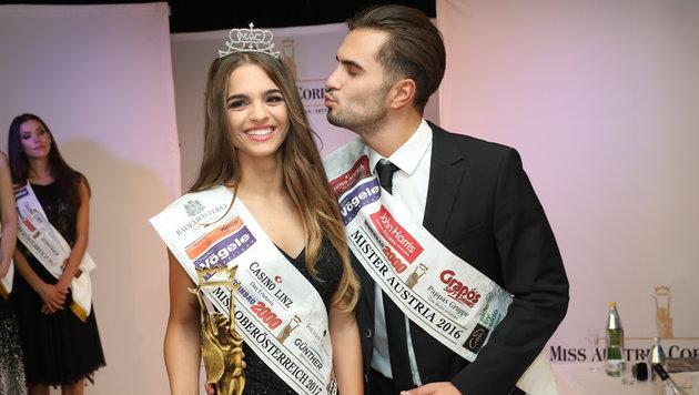 Mister Austria Philipp Rafetseder gratulierte Bianca Kronsteiner zum Titel der Miss Oberösterreich. (Bild: Cityfoto Jasmina Rahmanovic)
