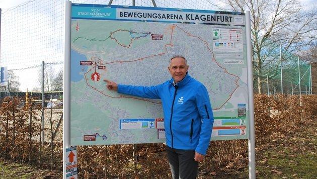 Vizebürgermeister Jürgen Pfeiler freut sich über die neue Bewegungsarena in Klagenfurt. (Bild: Stadtpresse)