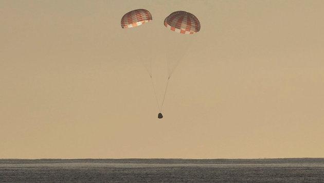 """""""Dragon""""-Raumkapsel sicher zur Erde zurückgekehrt (Bild: SpaceX)"""