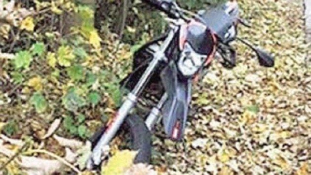 Eines der entsorgten Mopeds. (Bild: Polizei)