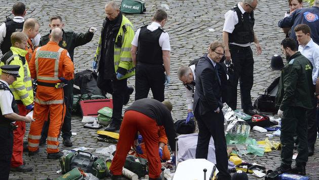 Neuer Terror-Schock: Blutige Attacke auf London (Bild: AP)
