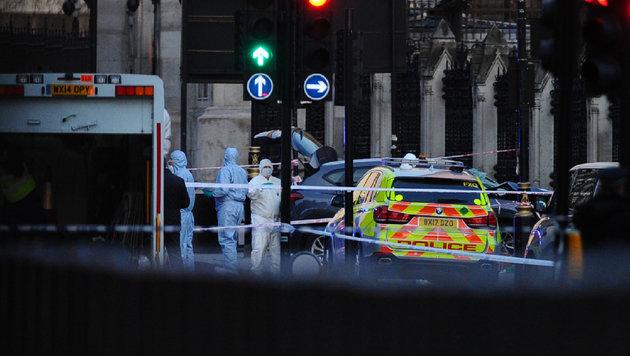 Am Tatort beginnt die Arbeit der Forensiker. (Bild: AFP)