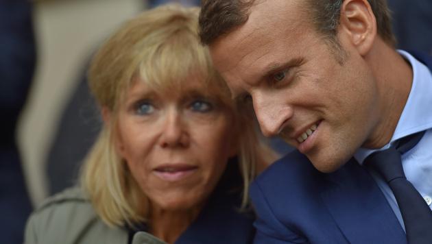 Die ungewöhnliche Liebe des Emmanuel Macron (Bild: AFP)