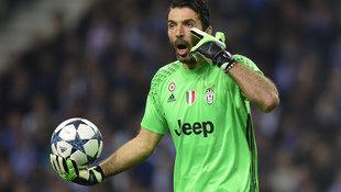 Italien-Goalie Buffon steht vor 1000. Profi-Spiel (Bild: AFP)