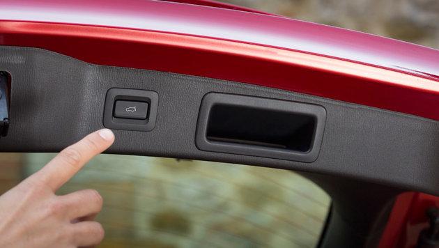 Elektrische Heckklappe (ab Ausstattungsniveau Revolution) (Bild: Mazda)