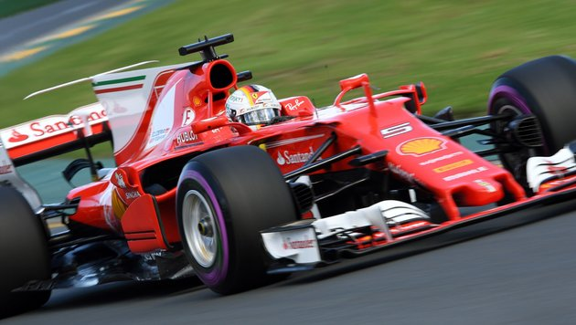 Hamilton holt Pole - Vettel sprengt Mercedes-Duo (Bild: AFP)