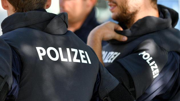 Die Polizei such in Oberösterreich Nachwuchs, am häufigsten scheitern Kandidaten an Deutschtests (Bild: BARBARA GINDL / APA / picturedesk.com)