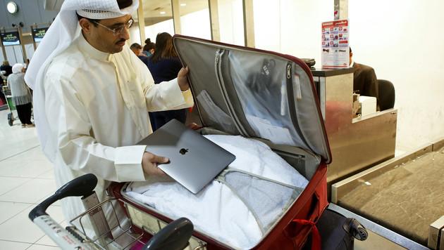 Laptop darf vorerst weiter mit in die Kabine (Bild: AFP)