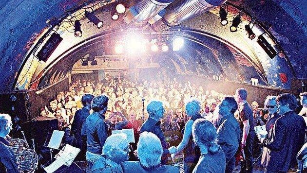 Das Jubiläum 2017 vor vollem Haus: Den 50 Musikern ging auch dieses Mal nicht die Power aus. (Bild: RBP)