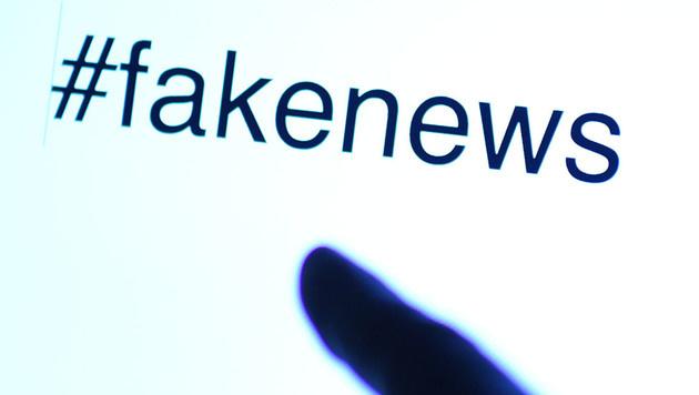 Facebook zeigt Nutzern, wie man Fake News erkennt (Bild: APA/HELMUT FOHRINGER)