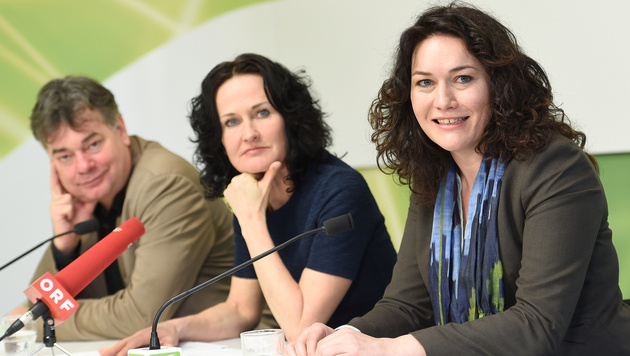 Grünen-Vizeklubchef Werner Kogler, Eva Glawischnig und Ingrid Felipe (v.l.n.r.) (Bild: APA/HELMUT FOHRINGER)