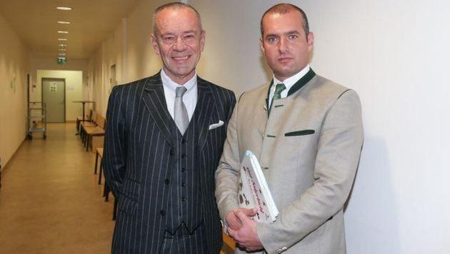 Rechtsanwalt Gerhard Lebisch mit Aiderbichl-Chef Dieter Ehrengruber. (Bild: Neumayr/SB)