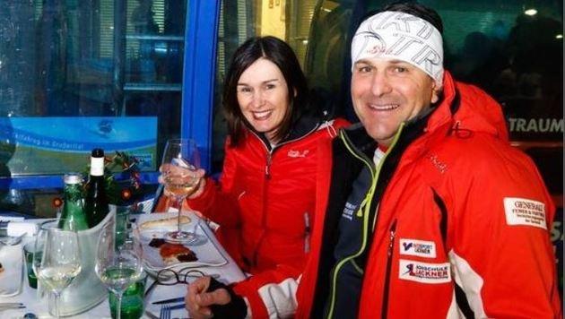 Carmen und Thomas Lackner drückten beim Gondel-Dinner für den Neffen die Daumen. îAEA (Bild: Gerhard Schiel)