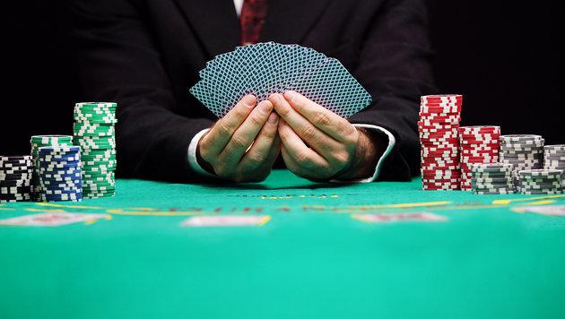 Razzia bei Poker-König: 100 Mio. Euro Steuerschuld (Bild: thinkstockphotos.de)