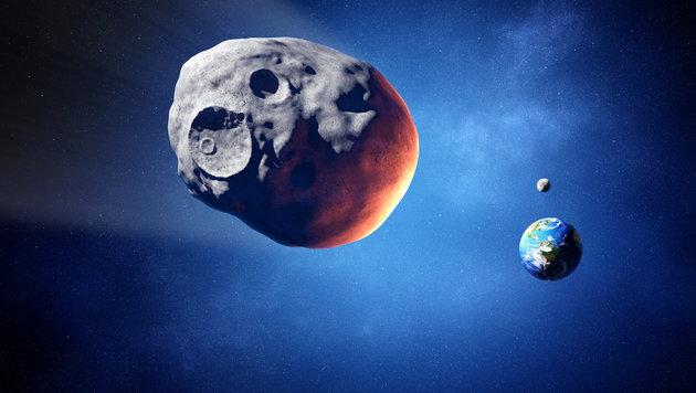 Hausgroßer Asteroid rast nah an der Erde vorbei (Bild: thinkstockphotos.de)