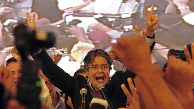 Das Rennen war knapp: Oppositionsführer Lasso wähnte sich am Wahlabend bereits als Sieger. (Bild: AP)