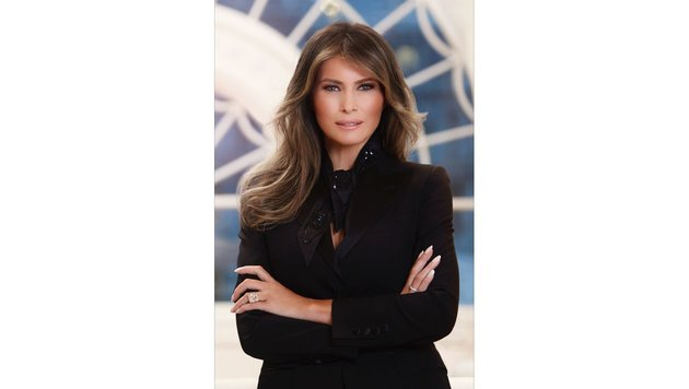 "Kritik an ""Bondgirl""-Porträt von Melania Trump (Bild: AP)"