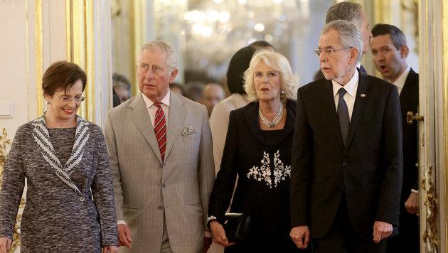 Charles und Camilla in der Hofburg. (Bild: The Associated Press)