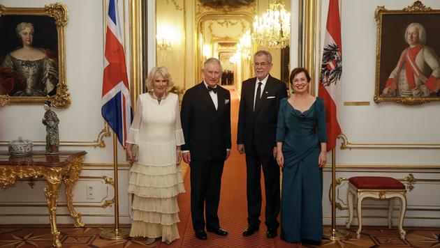Prinz Charles und Camilla beenden ihre Wien-Visite (Bild: APA/BUNDESHEER/PETER LECHNER)