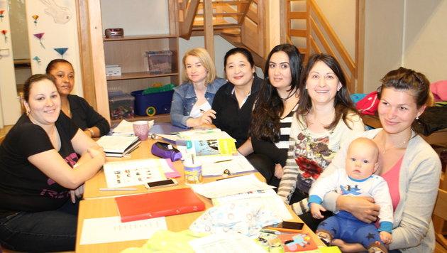 Diese Mütter lernen an der Schule ihrer Kinder Deutsch. (Bild: Kronen Zeitung)