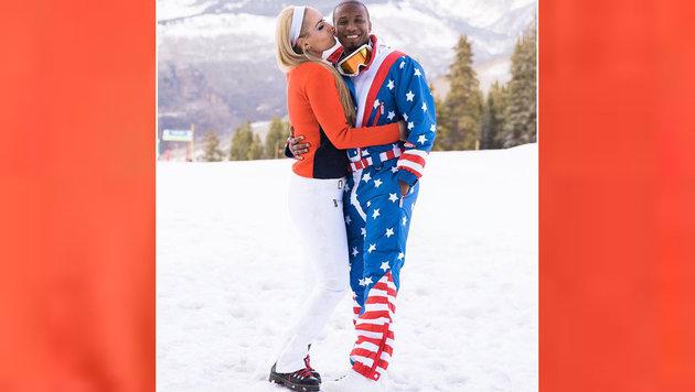 Ski-Queen Lindsey Vonn gibt ihrem Freund Kenan Smith einen Kuss auf die Wange - süß! (Bild: facebook.com)