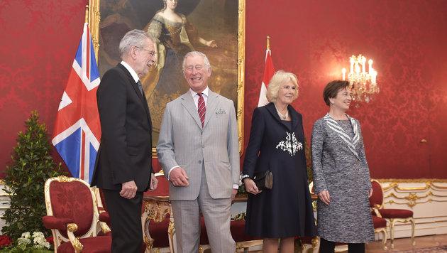 Charles und Camilla treffen den Bundespräsidenten Alexander van der Bellen in der Hofburg. (Bild: APA, HANS PUNZ)