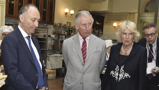 Charles und Camilla hinter den Kulissen im Café Demel (Bild: AP)