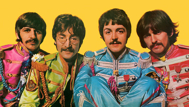 """Ringo, John, Paul und George in ihren """"Sgt. Pepper""""-Uniformen (Bild: Universal Music/Apple Corps Ltd.)"""