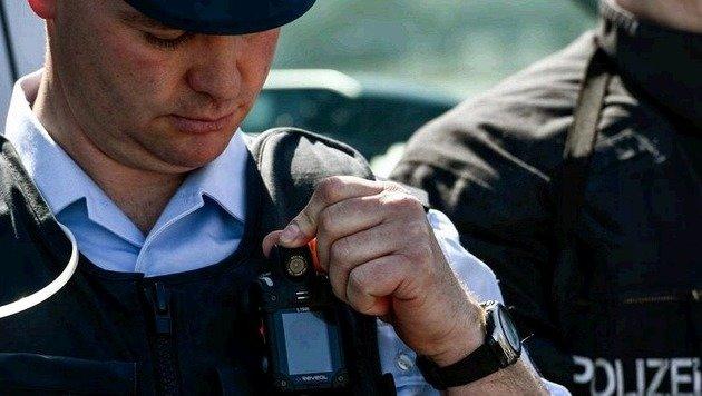 Beamte der Bundespolizei waren eine Woche lang im Einsatz. (Bild: EPA)