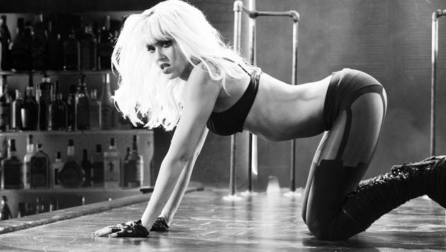 """Jessica Alba in """"Sin City"""" (Bild: Moviestore Collection/face to face)"""