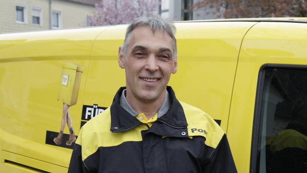 """Johann Spatt, Briefträger: """"Viele Fremde wollen wissen, wo der neue Landeshauptmann wohnt."""" (Bild: Markus Schütz)"""