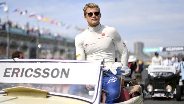 F1-Pilot Ericsson gedenkt der Opfer in Stockholm (Bild: AFP)