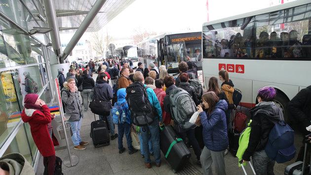 15.000 Fahrgäste strandeten am Linzer Hauptbahnhof. (Bild: FOTOKERSCHI.AT/KERSCHBAUMMAYR)