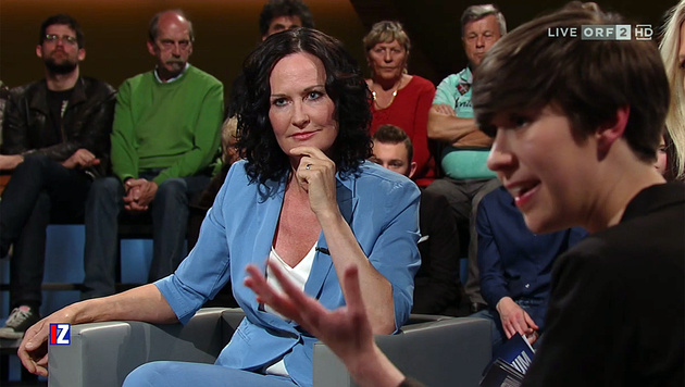 Showdown auf der ORF-Bühne: Eva Glawischnig, Flora Petrik (re.) (Bild: Screenshot ORF)
