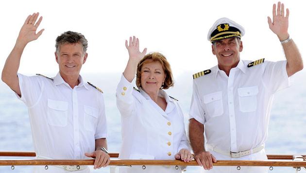 """""""Traumschiff""""-Crew: Nick Wilder, Heide Keller und Sascha Hehn (Bild: ZDF/Dirk Bartling)"""